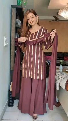 Party Wear Indian Dresses, Designer Party Wear Dresses, Kurti Designs Party Wear, Dress Indian Style, Indian Fashion Dresses, Indian Designer Outfits, Pakistani Party Wear Dresses, Punjabi Fashion, Salwar Designs