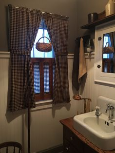 Beau Primitive Country Bathrooms, Country Baths, Farmhouse Bathrooms, Primitive  Homes, Primitive Kitchen,