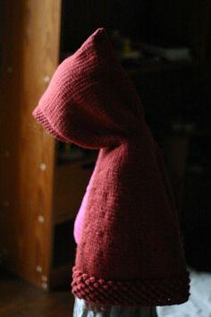 Il y a bientôt 3 ans, j'ai tricoté une cape de Petit Chaperon rouge à miss, d'après le si joli modèle Capuchon trouvé sur Petite Purls. Depuis, on m'a demandé plusieurs fois si j'avais la traduction du modèle en français... J'ai contacté sa créatrice,...