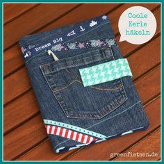 Häkelnadelmäppchen aus alter Jeans / Crochet hook case made of an old pair of jeans