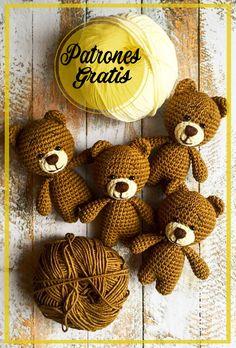 Crochet Patterns Amigurumi, Crochet Dolls, Diy Crochet, Doll Toys, Doll Clothes, Applique, Baby Shower, Christmas Ornaments, Holiday Decor