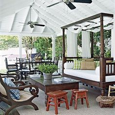 Live luxuriously with a daybed on the porch.