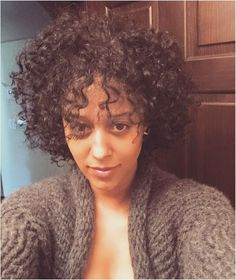 Popular afro hairstyles for woman – My hair and beauty Afro Hairstyles, Straight Hairstyles, Celebrity Hairstyles, Curly Hair Styles, Natural Hair Styles, Black Curls, Tia Mowry, Beauty And The Best, Long Natural Hair