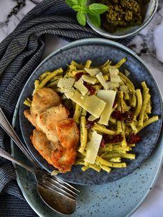 Těstoviny s kešu bazalkovým pestem, sušenými rajčaty a kuřecími prsy Lidl, Pesto, Chicken, Food, Diet, Essen, Meals, Yemek, Eten