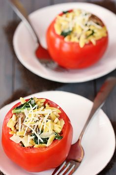 Italian Sausage Kale Orzco Stuffed Tomatoes | gimmesomeoven.com
