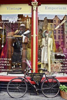 Travel Edingurgh | Citytrip - Vintage Shopping bei W. Armstrong & Son | luziapimpinella.com