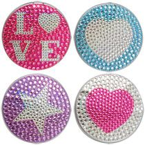 Keep a check on your hair and make-up with these compact mirrors. Elegantly decorated with plastic rhinestones, these compacts have a mirror on the top and bottom of the inside, and fits perfectly in Dollar Tree Crafts, Dollar Tree Store, Diy Holiday Gifts, Diy Gifts, Christmas Presents, Party Prizes, Winter Birthday Parties, Gift Baskets For Women, Manicure Set