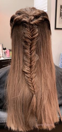 Fishtail braid on fine hair used Redken Wax Blast for texture Formal Hairstyles, Cool Hairstyles, Hair Color Experts, Color Correction Hair, Best Hair Salon, Wedding With Kids, Hair Studio, Cool Hair Color, Fishtail