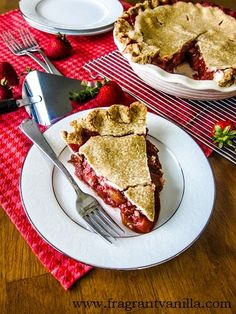 When I was little, my Mom and I used to go to this local Strawberry Rubarb Pie, Apple Rhubarb Pie, Rhubarb Desserts, Raspberry Smoothie, Apple Smoothies, Vegan Sweets, Vegan Desserts, Pie Recipes, Vegan Recipes