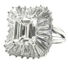 A Ballerina Mount Diamond Ring 1