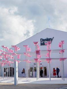 Die Design Miami hat sich zum Epizentrum für Sammler und Design-Interessierte entwickelt. Nirgendwo sonst findet man die Ästhetik und Visionen der Branche so geballt. Zehn Dinge, die Sie über die Messe (2. bis 6. 12., Miami Beach) wissen sollten.