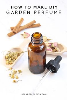 Natural Beauty Remedies How to make your own perfume with essential oils and flowers. - How to make your own perfume with essential oils and flowers. Learn what essential oil scents go well together and how to choose a top, middle, and base note. Essential Oil Scents, Essential Oil Perfume, Perfume Oils, The Body Shop, Sephora, Diy Masque, Homemade Perfume, Natural Beauty Recipes, Diffuser