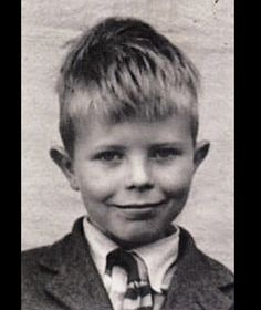 David Bowie (born David Robert Jones in Brixton, London, England Angela Bowie, Ziggy Stardust, Ringo Starr, Young Celebrities, Celebs, David Bowie Young, Duncan Jones, Photo Star, The Thin White Duke