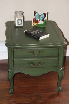 French Provincial End Table/nightstand/accent Table