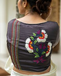 Blouse Back Neck Designs, Hand Work Blouse Design, Simple Blouse Designs, Stylish Blouse Design, Fancy Blouse Designs, Saree Blouse Designs, Indian Blouse Designs, Designer Blouse Patterns, Skirt Patterns