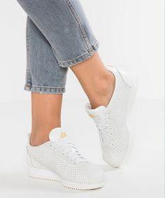 Nike Sportswear CORTEZ CLASSIC BP Baskets basses summit white/metallic gold