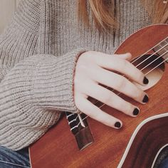 Would rlly like 2 learn guitar this year --- goodness gracious its a ukulele not a guitar