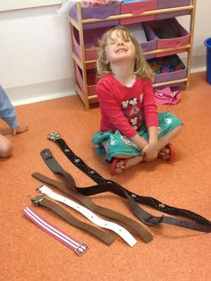 Using belts to sort into size, shortest to longest, a great way to introduce lots of descriptive language around size and other concepts around numbers etc EYFS Maths Eyfs, Math Activities, Preschool Activities, Numeracy, Early Years Maths, Early Math, Julia Donaldson Books, Story Planning, Jack And The Beanstalk