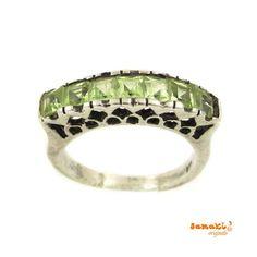 NEU von samaki originals: #Olivin (Peridot) Edelstein Ring, Größe 52, Lanzarote Stein  zum Artikel im #Onlineshop: http://www.samakishop.com/epages/61220405.sf/de_DE/?ObjectID=60680675  #ring #sterlingsilber #edelsteine #peridot #mallorca