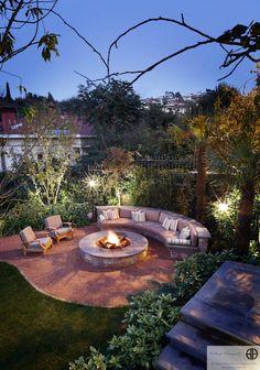 Garden renovation ideas with fire pits Outdoor Rooms, Outdoor Gardens, Outdoor Living, Privacy Fence Landscaping, Backyard Landscaping, Backyard Ideas, Backyard Garden Landscape, Backyard Retreat, Patio Circular