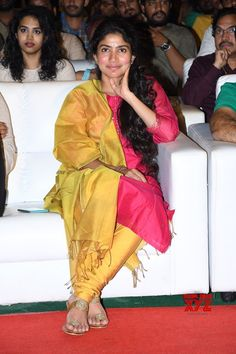 Actress Sai Pallavi Stills From Fidaa Sambaralu - Social News XYZ
