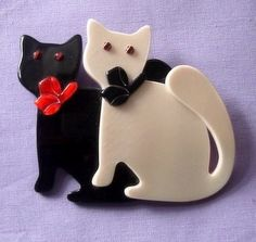 Lea Stein double cat brooch.  Photographed by Gillian Horsup.  Sold by www.gillianhorsup.com