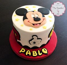 Just a simple Mickey Mouse cake I made a few weeks ago for a little boy :)