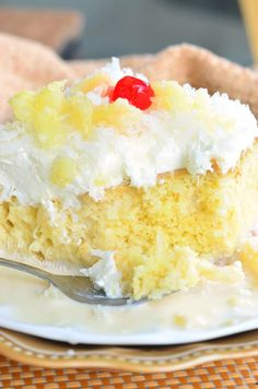 Soft, sweet milks soaked Tres Leches cake made with the wonderful, tropical coconut and pineapple flavors. This is the best cake in the world! Cake Mix Recipes, Milk Recipes, Dessert Recipes, Baking Recipes, Sweets Cake, Cupcake Cakes, Cupcakes, Flan, Pina Colada Cake