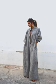 How to wear a kaftan all summer long - Summer Outfits Modest Fashion, Fashion Dresses, Renaissance Clothing, Steampunk Clothing, Gypsy Clothing, Mode Abaya, Womens Workout Outfits, Fitness Outfits, Summer Outfits