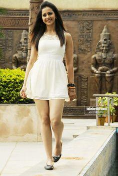Rakul Sing Indian Celebrities, Beautiful Celebrities, Indian Bollywood, Bollywood Actress, Rakul Preet Singh Saree, Hot Girls, Fashion Beauty, Girl Fashion, Short Frocks