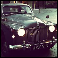 My car gets an outing to the vintage fair today - like meeting up with old friends!