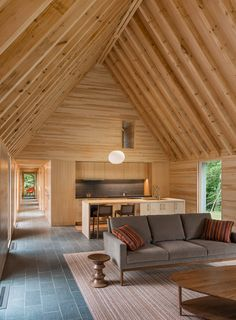 HGA Architects have designed a group of cottages ( Marlboro Music Cottages) to provide senior musicians accommodation at the Marlboro College campus in Marlboro, Vermont. Wooden Cottage, Casas Containers, Interior Architecture, Interior Design, Japanese Architecture, Interior Walls, Contemporary Cottage, Contemporary Classic, Contemporary Interior