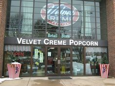 A Trip To This Delightful Kansas Popcorn Shop Is What Childhood Dreams Are Made Of
