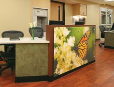 Norton Hospital, Lumicor digital print decorative panel on nurse's station #healthcare #wayfinding #design