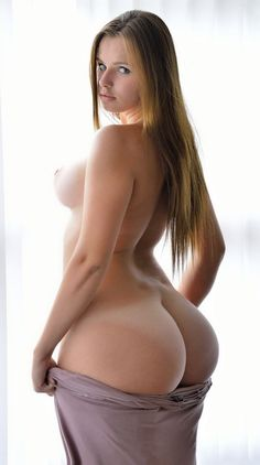 Big Butts Wide Hips Mature woman and Nudists : Photo