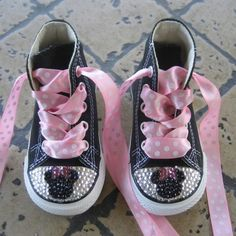 Bling bling! Baby Bling, Bling Bling, Babies Fashion, Kids Fashion, Baby Booties, Baby Shoes, Mickey Mouse Clubhouse Birthday, Baby Fashionista, Bow Sneakers