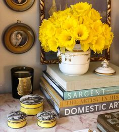 Went a little overboard on the daffodils after I heard we are expecting another Nor'easter. (at Upper East Side) Mark Rothko Paintings, Bunny Mellon, Is It Spring Yet, Aries Season, Beginning Of Spring, William Eggleston, Birthday Month, Time Of The Year, Mellow Yellow