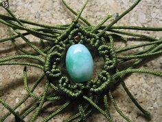 Macrame Tutorials - different ways to surround a bead.
