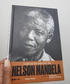 Chego de viagem e tem esse presentão me esperando. E ainda no dia que ele completaria 100 anos. Viva Nelson Mandela Nelson Mandela, Instagram, Books, Cards, Reading Lists, Books To Read, Living Alone, You Complete Me, Travel