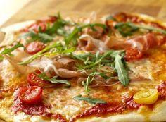 Italiensk pizza med tynn bunn | Fru Timian