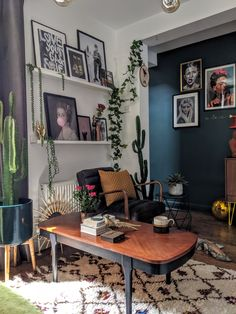 How to style vibrant colours in your home interior - an interview with Agi Dmochowska New Living Room, Home And Living, Living Spaces, Living Room Decor Inspiration, Retro Home Decor, Home And Deco, Interiores Design, Apartment Living, Decoration