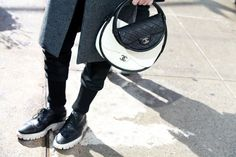 Street looks à la Fashion Week automne-hiver 2013-2014 à New York, Jour 2 http://www.vogue.fr/defiles/street-looks/diaporama/street-look-a-la-fashion-week-automne-hiver-2013-2014-a-new-york-jour2/11757/image/692642#!11