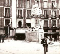 LA FUENTECILLA EN LA CALLE TOLEDO - 1900