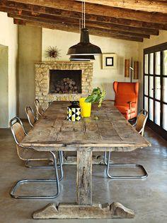 Chaises vintage et table de campagne