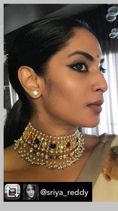 India Jewelry, Gems Jewelry, Gold Jewellery, Indian Wedding Jewelry, Bridal Jewelry, Pearl Necklace Designs, Indian Jewellery Design, Jewelry Model, Fantasy Jewelry
