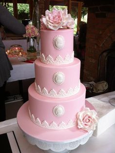 Lace edging is nice. not pink though! Gorgeous Cakes, Pretty Cakes, Amazing Cakes, Wedding Cake Designs, Wedding Cakes, Cameo Cake, Cake Pictures, Cake Pics, My Dream Cake