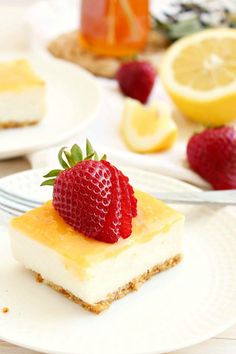 lemon curd cheesecake bars http://honeyandfigskitchen.com/2014/03/lemon-curd-cheesecake-bars-clean-eating.html Clean eating approved lemon curd cheesecake bars - free of refined sugars, super high in protein and calcium! {gluten free}