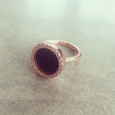 #new #ring #mi #moneda #mimoneda #love #rose #gold #black #stone - @xdevii- #webstagram