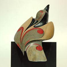 Raven by Rex Homan, Māori artist Bird Sculpture, Animal Sculptures, Abstract Sculpture, Native Art, Native American Art, Clay Birds, Maori Art, Rabe, Wooden Bird