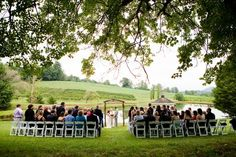 Absolutely LOVE outdoor weddings!